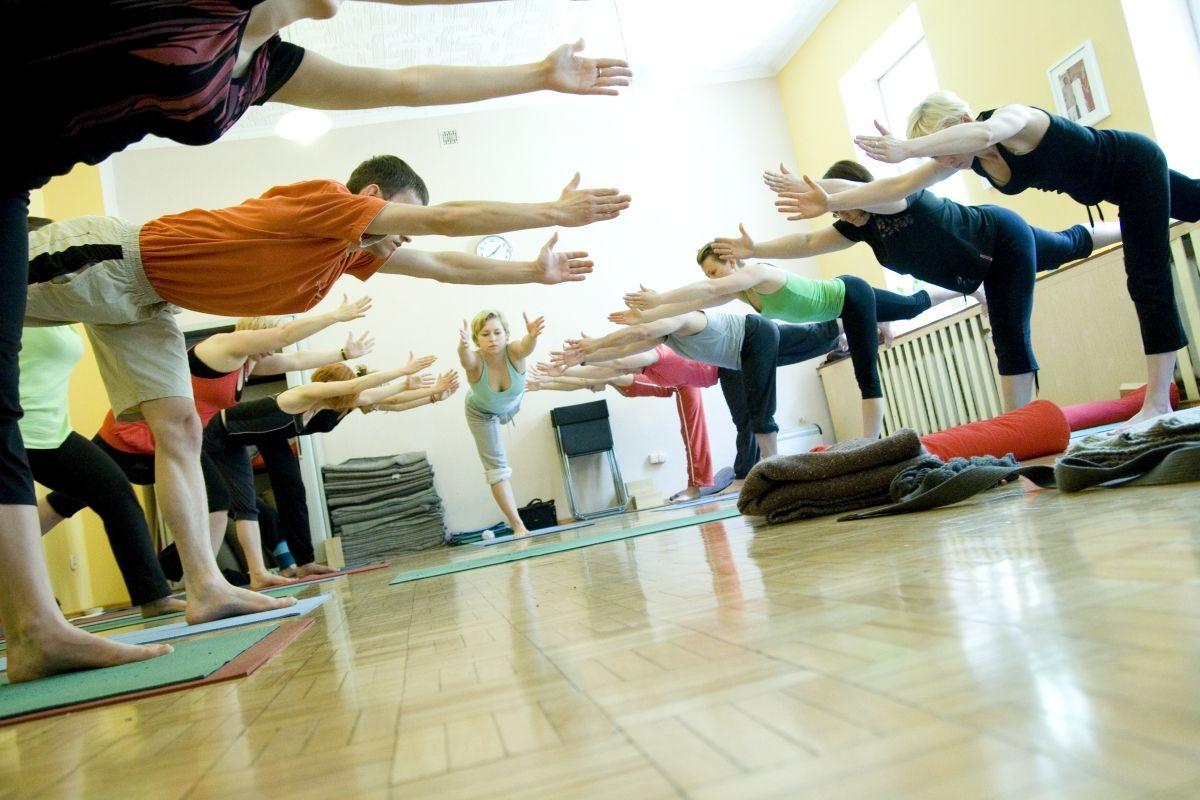 Dynamika w asanach dla rozładowania statycznego przeciążenia mięśni