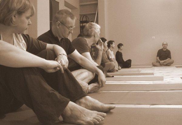 Jak rozpoznać dobrego i złego nauczyciela jogi i medytacji?