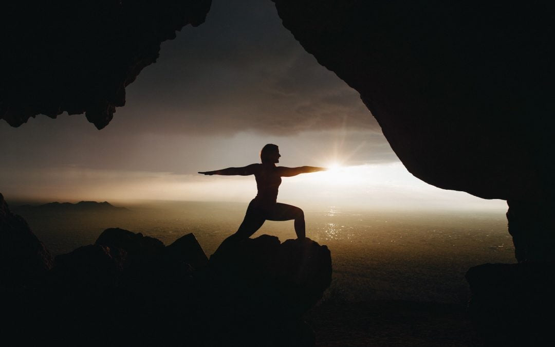 Synchronizacja ruchu z oddechem w praktyce asan