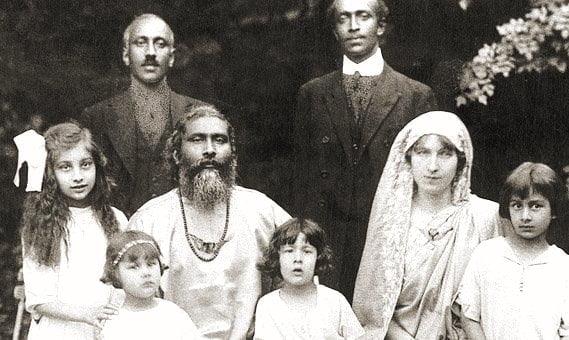 Hazrat Inayat Khan z rodziną