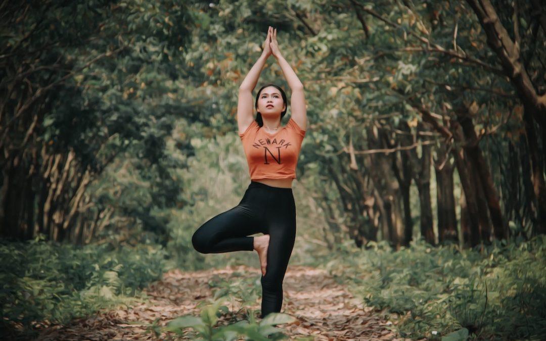 Praktyka własna. Jak samodzielnie układać sekwencje asan jogi?